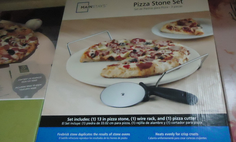 pizza stone set in China